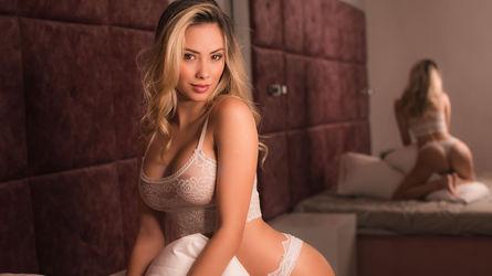 AnastasiaBond